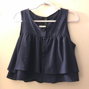 NWT CROP TOP SIZE LARGE